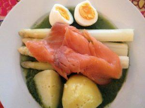 asperges met zalm en spinazie