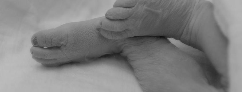 Mijn baby is overleden in mijn buik voetjes