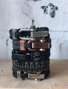 musthef mannenarmbanden 4 armbanden in 1 foto