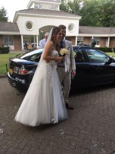 hoe ziet de trouwjurk eruit trouwblog eva bruidsboeket