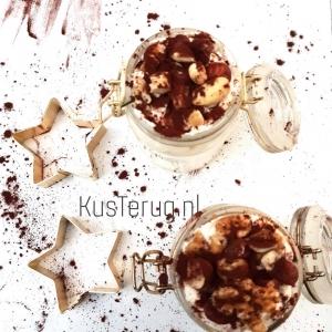 koolhydraatarm toetje met noten kusterug